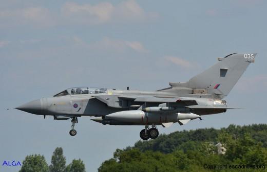 Chasseur-bombardier Tornado vu en 2014