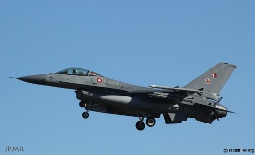 Un F-16 MLU de la RDAF