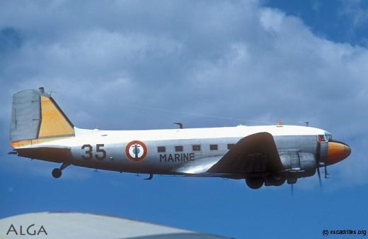 Pour la fin du Dak, l'escadrille vola en dispositif de 4 avions