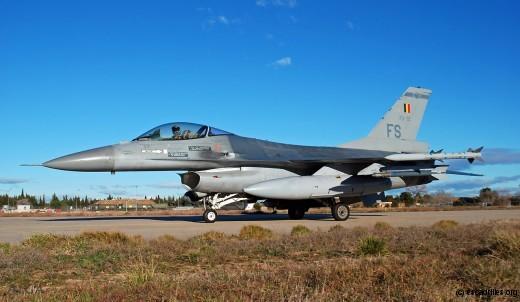 F16_FA-92_2009_ag