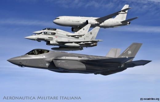 Une vue de l'armada italienne volant vers l'Ouest