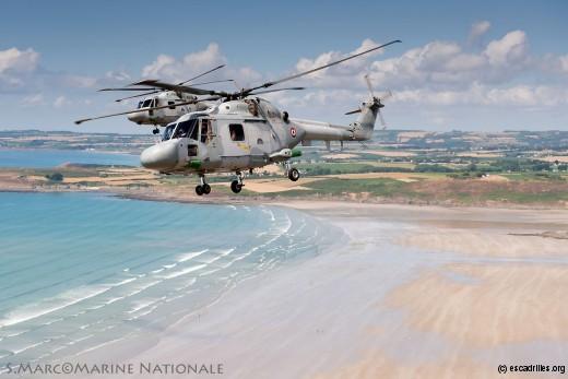 Patrouille de Lynx de la 34F au dessus d'une région superbe
