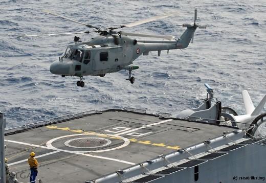 Le détachement 34F à bord d'une frégate est composé d'un Lynx et de 14 personnes