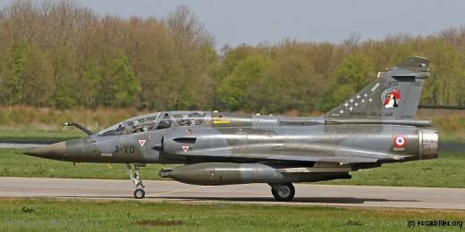 Mirage 2000D du 3/3 Ardennes arborant la décoration hommage aux aviateurs décédés au TLP début 2015