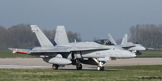 Hornet Finlandais, au taxy piste 06