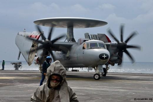 Pour tenir le rythme, la 4F avait embarqué deux de ses trois E-2C