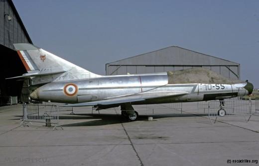 SMB2 en livrée naturelle, aux couleurs du 1/10 (Cambrai, 19 sept. 1971)
