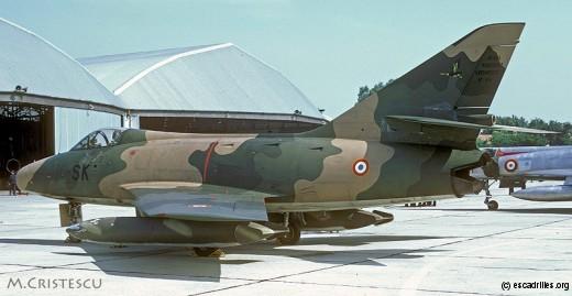 Premier camouflage 'à la vietnamienne' pour ce B2 du 1/10 vu en juin 1970 à Orange