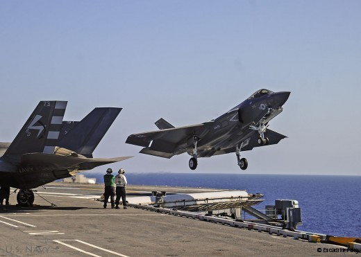 VX-23 et VFA-101 réunies à bord du CVN 73 (U.S. Navy photo by Mass Communication Specialist 3rd Class Wyatt L. Anthony)