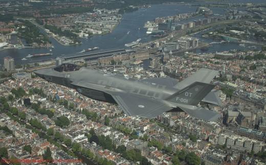 A Amsterdam, il y a Dieu, et il y aura le F-35A