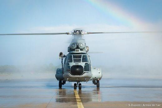 Cérémonie traditionnelle pour la conclusion de la vie opérationnelle de ce Super Puma, sur la BA 126