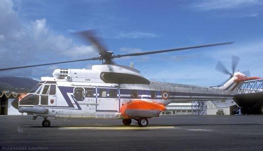 Le Super Puma L 2244 alors qu'il officiait à Tahiti en 2002