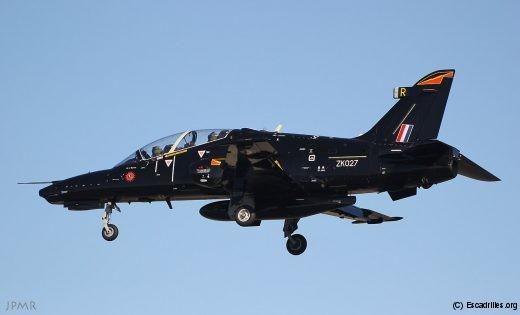 Avant d'être reformé sur Hawk, le IV Sqn avait volé plus de trois décennies sur un autre oiseau de proie, le Harrier