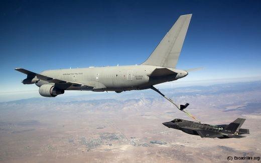 Essai 'perche sèche' de compatibilité aérodynamique avec un KC-767 de l'AMI