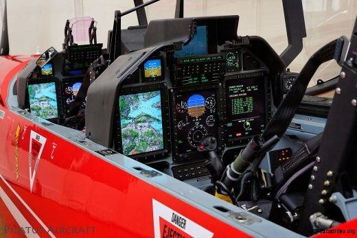 L'autre atout du PC-21: un système de gestion de mission analogue à celui des chasseurs récents