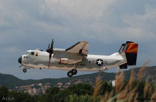C-2A de la VRC-40: c'est lui qui amène les pièces détachées, normalement