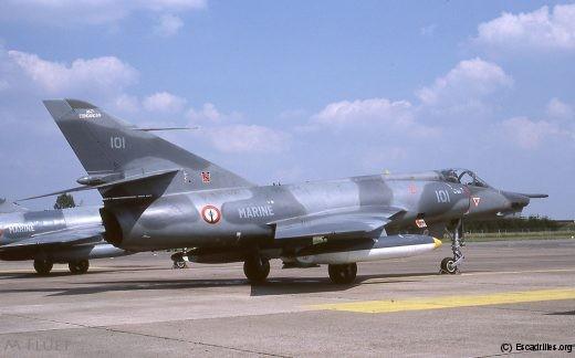 Vu en 1987, le 101 a revêtula peinture 'modernisée', mais cet avion restera au standard initial
