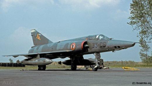 La 33e escadre de reconnaissance fut la marraine de la 16F-reco